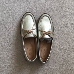 Sperry topsider gold loafers